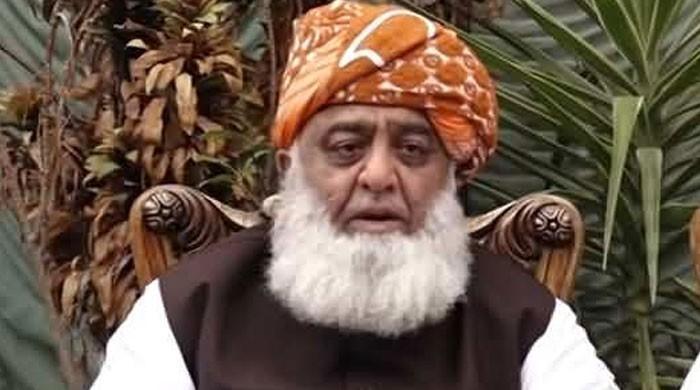 وعدہ کیا گیا تھا کہ مارچ میں حکومت کی بساط لپیٹ دی جائے گی، مولانا فضل الرحمان