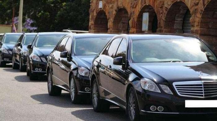 پنجاب میں نئی سرکاری گاڑیاں خریدنے اور وزراء کے صوابدیدی فنڈز کے استعمال پر پابندی