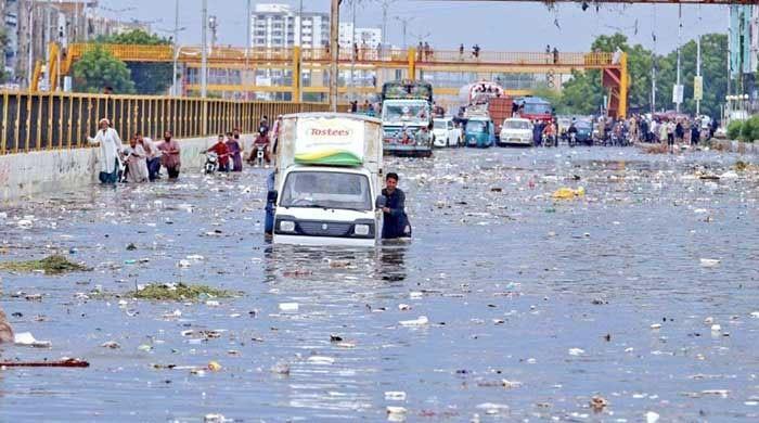 کراچی میں بارشوں کی تباہ کاریوں پر سرکاری اداروں کا آڈٹ ہوگا