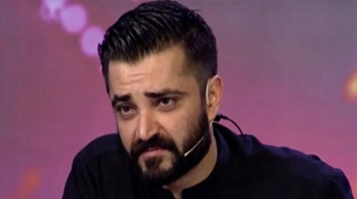 حمزہ عباسی نے بچوں سے متعلق متنازع فلم پر نیٹ فلکس کی سبسکرپشن ختم کر دی