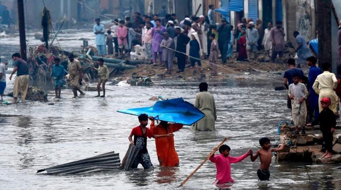 ازالے کیلئے آفت زدہ کراچی میں نقصانات کا اندازہ کیسے لگایا جائے؟