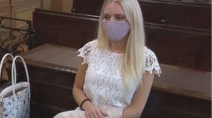 انشورنس کی رقم کیلئے اپنا ہاتھ کاٹنے والی خاتون کو قید کی سزا