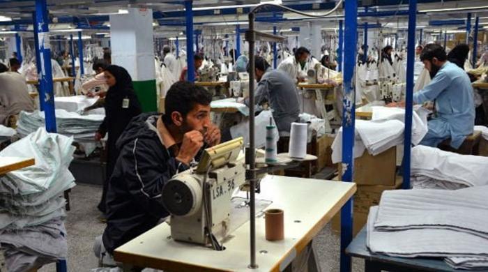 بھارت اور بنگلادیش میں کورونا: پاکستان کے گارمنٹس سیکٹر پر آڈرز کی بھرمار