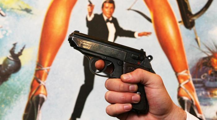 جیمز بانڈ کی چرائی گئی 5 بندوقیں تاحال برآمد نہ ہو سکیں