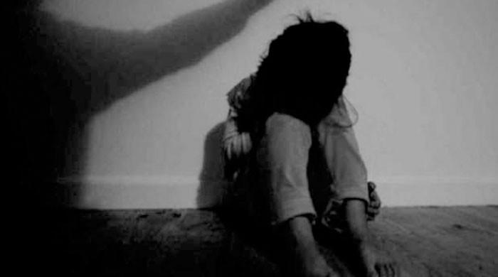 شکرگڑھ میں طالب علم سے زیادتی کے الزام میں استاد گرفتار