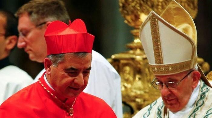 پوپ فرانسس کے قریبی ساتھی اور ویٹی کن کے اہم عہدیدار مستعفی