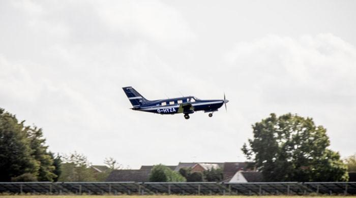 ہائیڈروجن گیس سے چلنے والے دنیا کے پہلے طیارے نے اڑان بھر لی