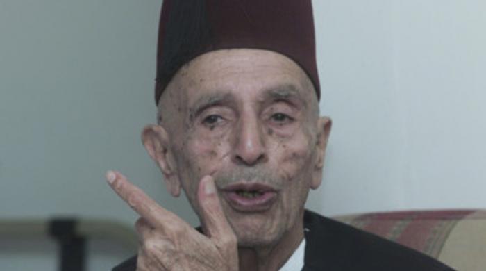 بابائے جمہوریت نواب زادہ نصر اللہ خان کو گزرے 17 برس بیت گئے