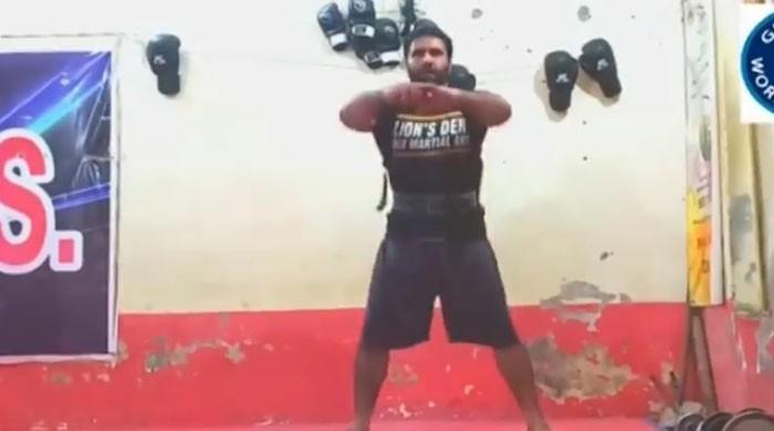 پاکستان کے مارشل آرٹ ماہر عرفان محسود کا 35 واں ورلڈ ریکارڈ