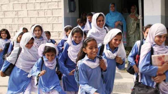 کورونا کیسز میں اضافہ: بلوچستان میں پرائمری اسکولز کھلنے میں تاخیر کا امکان