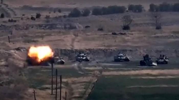 آذربائیجان اور آرمینیا کی افواج کے درمیان متنازع علاقے میں شدید جھڑپیں