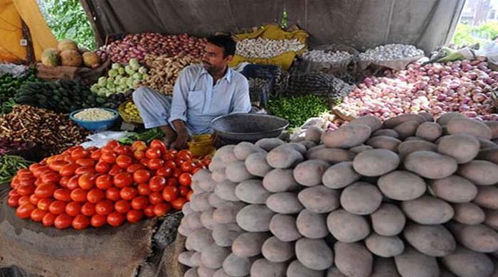 مہنگائی میں اضافہ جاری، ایک ماہ میں ٹماٹر کی قیمت 40 روپے فی کلو بڑھی