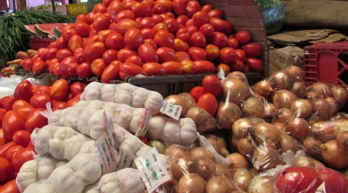 حکومت نے ایران سے پیاز اور ٹماٹر کی درآمد کی اجازت دے دی