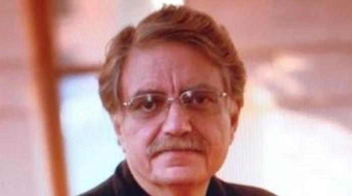 پشاور ہائیکورٹ کا سماجی کارکن ادریس خٹک کا فوجی عدالت میں ٹرائل روکنے کا حکم