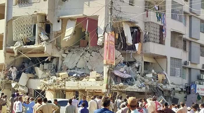 تصاویر: کراچی میں مسکن چورنگی پر دھماکا