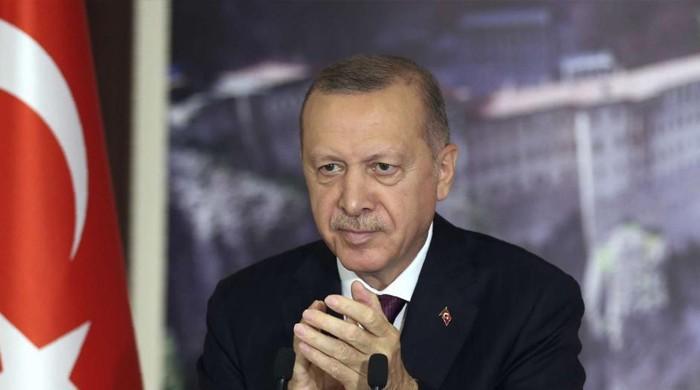 ترک صدر طیب اردوان کتنی تنخواہ لیتے ہیں؟