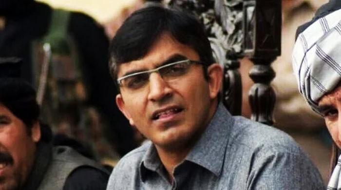 محسن داوڑ کو کوئٹہ ائیرپورٹ سے باہر آنے سے روک دیاگیا