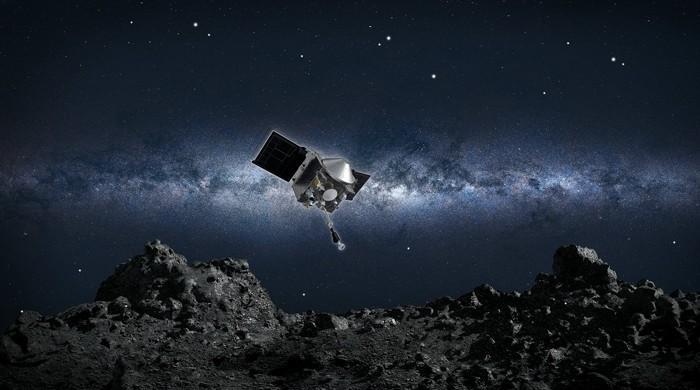 زمین سے کروڑوں میل دور سیارچے سے ذرات لیکر آنے والا مشن مشکل میں پڑگیا