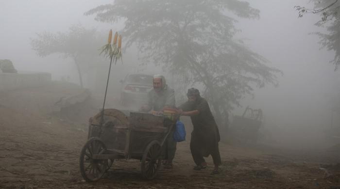 پنجاب میں اسموگ پر قابو پانے کیلئے کاشتکاروں کو ہیپی سیڈرز مشین کی فراہمی شروع