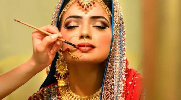 کورونا: شادیوں میں دلہنوں کے سجنے سنورنے کا انداز بھی بدل گیا