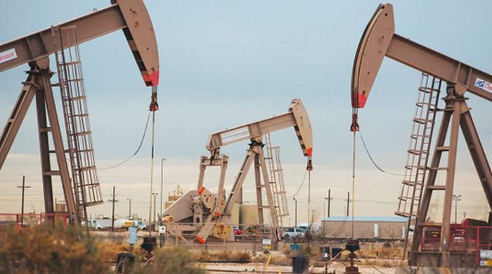 کورونا کی دوسری لہر : لاک ڈاؤن خدشات کے باعث خام تیل کی قیمتوں میں بڑی کمی