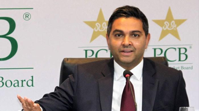 پاکستان کرکٹ بورڈ چیف ایگزیکٹو وسیم خان سے معاہدے میں توسیع کا خواہشمند