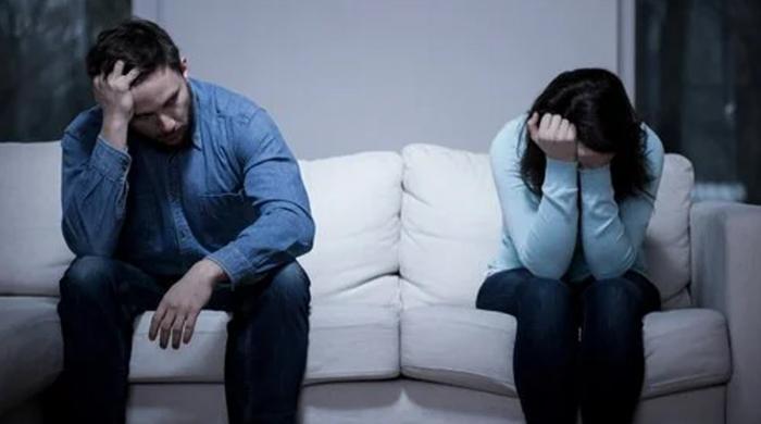 بیوی کی تنخواہ شوہر سے زیادہ ہونے کا مطلب شادی کا کباڑہ
