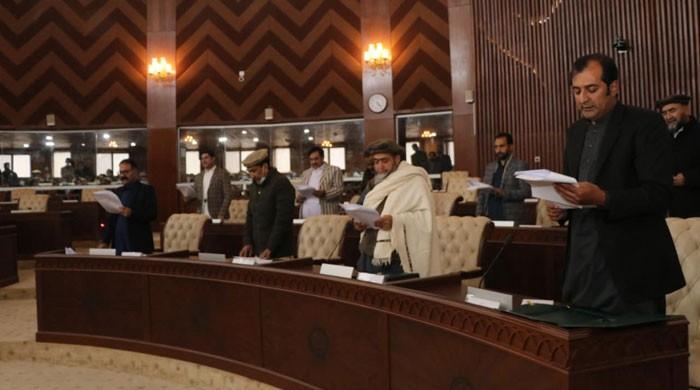 گلگت بلتستان اسمبلی کے 33 نو منتخب ارکان نے حلف اٹھالیا