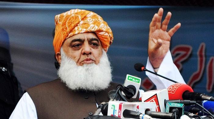 نااہلوں کیخلاف بغاوت  فریضہ ہے، اس جہاد سے پیچھے ہٹنا گناہ سمجھتے ہیں، فضل الرحمان