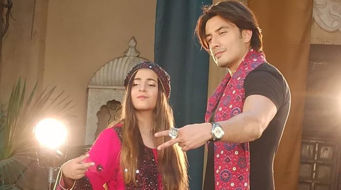 گلوکار علی ظفر کا سندھی لوک گیت بھی مداحوں کو بھا گیا