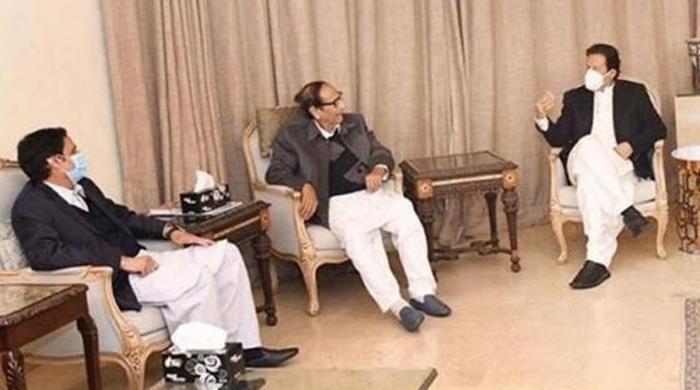 عمران خان اور چوہدری خاندان