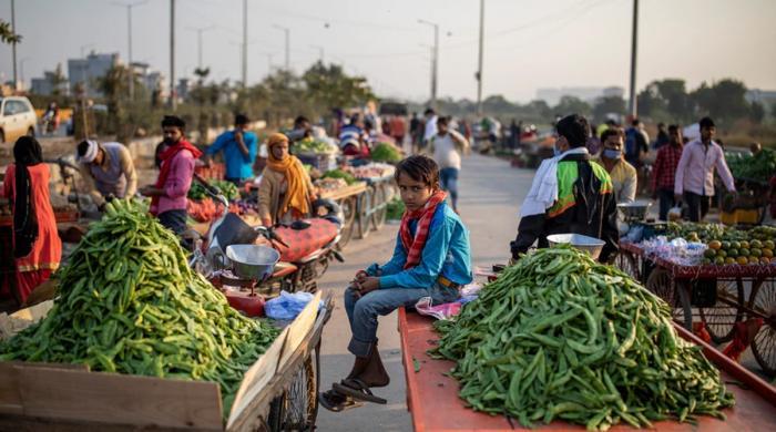 کورونا نے معیشت کو بٹھا دیا، بھارت 1947 کے بعد پہلی مرتبہ کساد بازاری کا شکار
