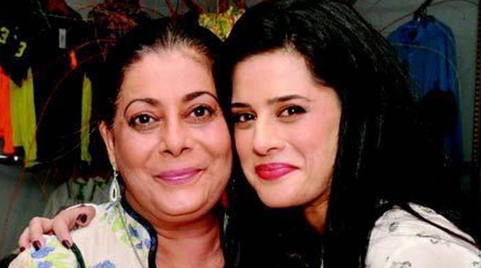 پی ٹی وی کی طرف سے 1400 روپے معاوضہ ملنے پر سیمی راحیل کا سخت ردِ عمل