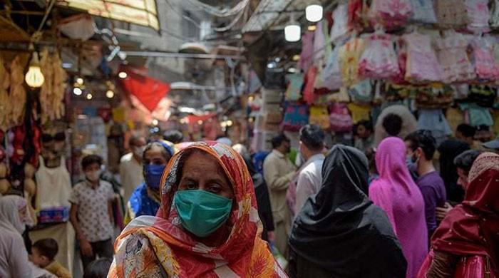 پاکستان میں کورونا سے مزید 43 افراد ہلاک، 2829 نئے کیسز بھی رپورٹ