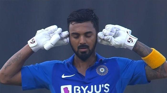 سوشل میڈیا پر بھارتی کھلاڑی کا مذاق کیوں اڑایا جا رہا ہے؟