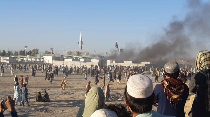 چمن بارڈر پر تاجروں اور سیکیورٹی اہلکاروں میں کشیدگی، فائرنگ سے 4 افراد زخمی