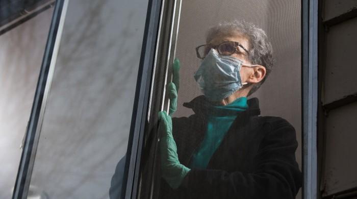 امریکا نے کورونا قرنطینہ کی مدت 14 روز سے کم کردی
