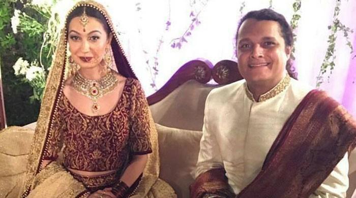 ماڈل و اداکارہ ربیا چوہدری نے گلوکار میکال حسن سے طلاق لے لی