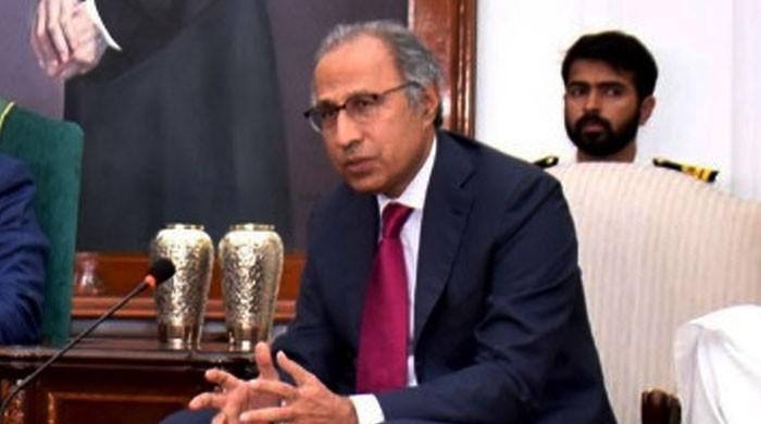وزیراعظم کے مشیر خزانہ حفیظ شیخ کو نیب کراچی کا دوسرا نوٹس