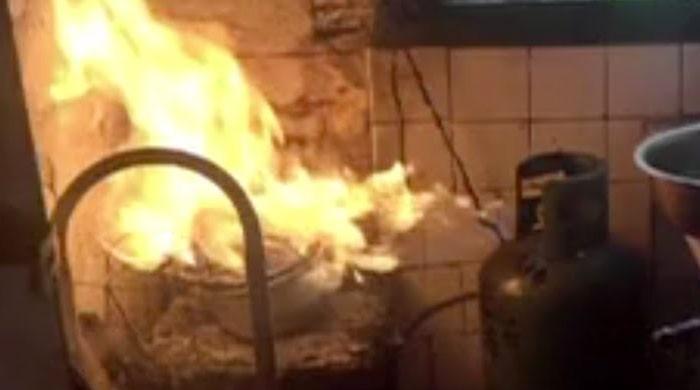 نیو کراچی میں گیس اخراج کے باعث دھماکا، بچہ جاں بحق