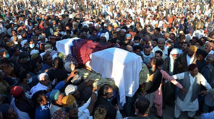 سابق وزیراعظم ظفراللہ جمالی آبائی علاقے روجھان جمالی میں سپرد خاک