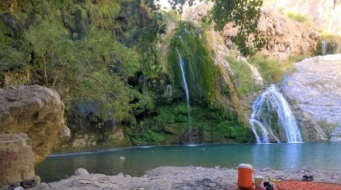 بلوچستان کا دلفریب سیاحتی مقام 'پیر غائب' سیاحوں کی توجہ کا مرکز