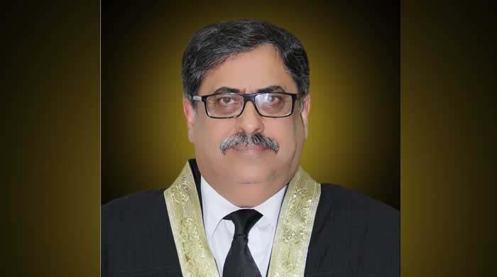 وزیر اعظم ٹھیک کہتے ہیں 2 پاکستان ہیں : جسٹس اطہر من اللہ