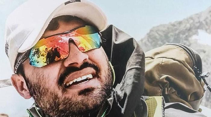پاکستانی کوہ پیما اسد علی کا افریقا کی سب سے بلند چوٹی ریکارڈ وقت میں سرکرنے کا اعلان
