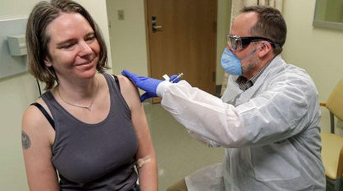امریکا: کورونا ویکسین لگوانے سے شدید الرجی کے کیسز سامنے آگئے