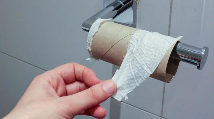 ایک بار سے زیادہ باتھ روم استعمال کرنے پر کمپنی ملازمین پر جرمانہ