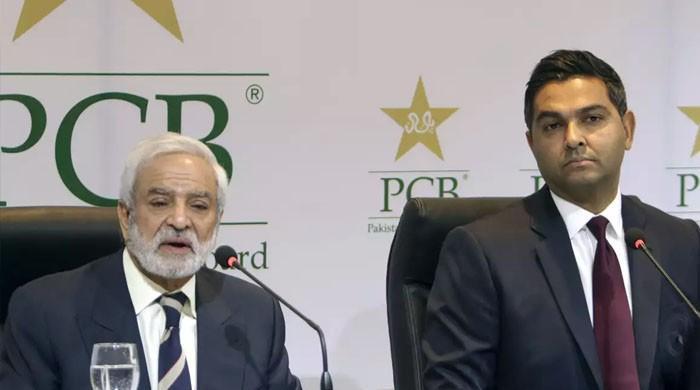 چیئرمین پی سی بی احسان مانی اور وسیم خان کے اختلافات شدت اختیار کرگئے