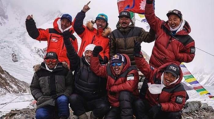 K2 پر تاریخ رقم کرنے والے تمام کوہ پیما نیپالی، پاکستانی ہمت ہار گئے