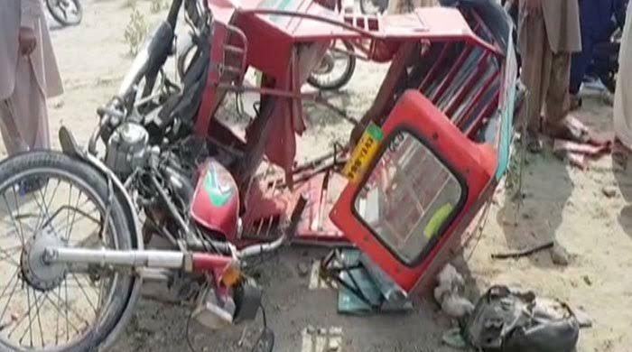 کوہاٹ میں رکشے اور ٹرک میں تصادم، 3 بہنیں جاں بحق