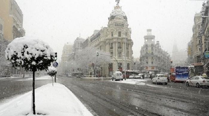 یورپ کے مختلف ممالک میں شدید برف باری